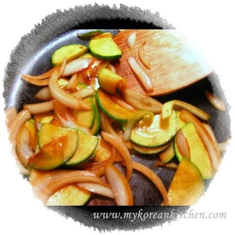 Bibimbap zucchini