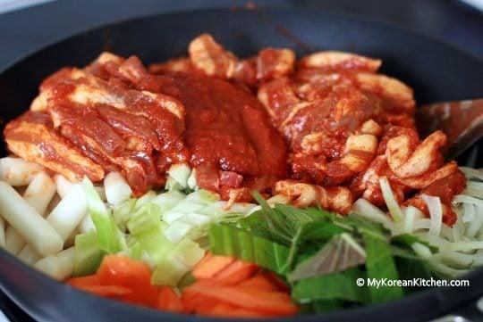 Jeyuk-bokkeum (Korean Spicy Pork Stir-Fry) before cooking up