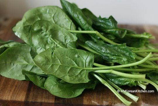 Simply Seasoned Korean Spinach Salad (Sigeumchi Namul version.1) - My ...