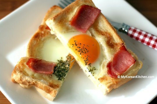 K-POP Food: Korean Flag Toast | MyKoreanKitchen.com