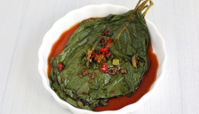 Pickled Perilla Leaves in Soy Sauce (Kkaennip Jangajji)