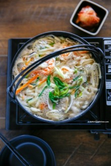 Kalguksu (Korean Knife Cut Noodle Soup) | MyKoreanKitchen.com